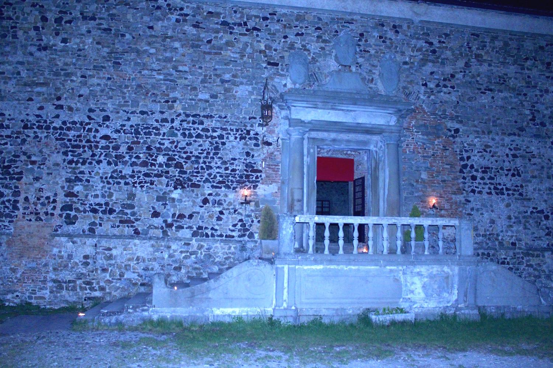 interni castello di Bardi, piazza d'arme