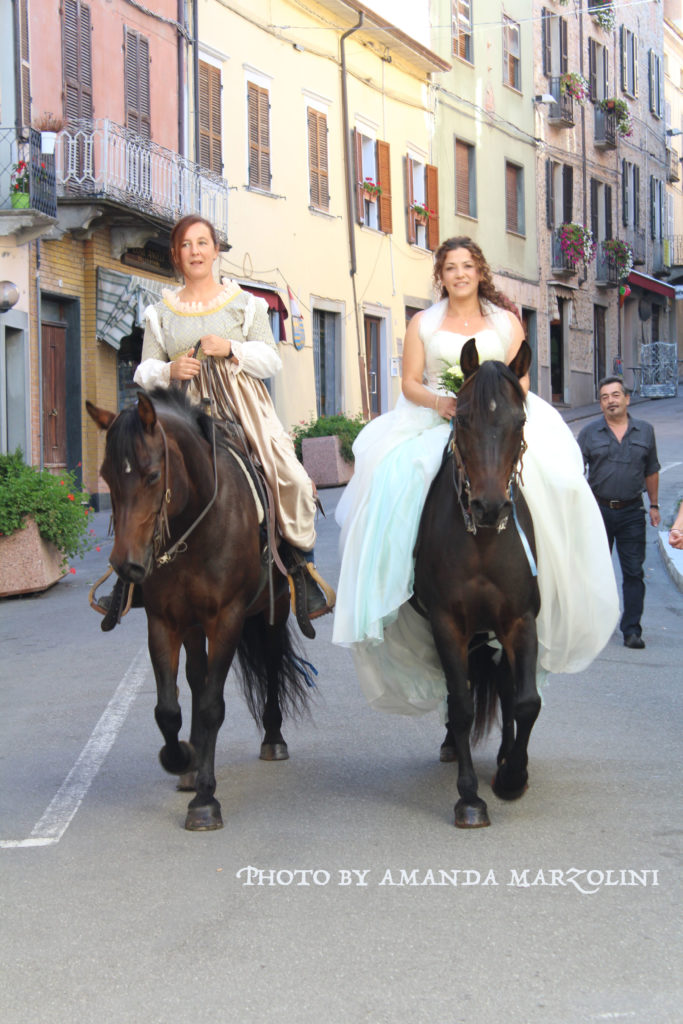 matrimonio a cavallo al Castello di Bardi - Wedding riding horses, castle of Bardi and Bardigiano Horses
